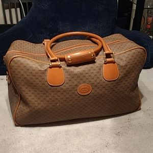 Authentic Gucci travel  bag --- #1 posting